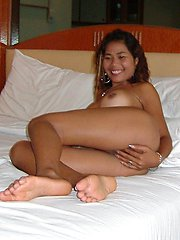 Thai barslut takes the cock in every hole