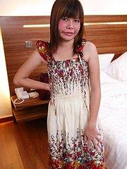 Sweet little Thai amateur has sex on tourist video