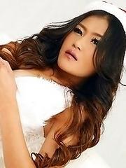 Xmas Asian Girls Feat. Hannah Lee